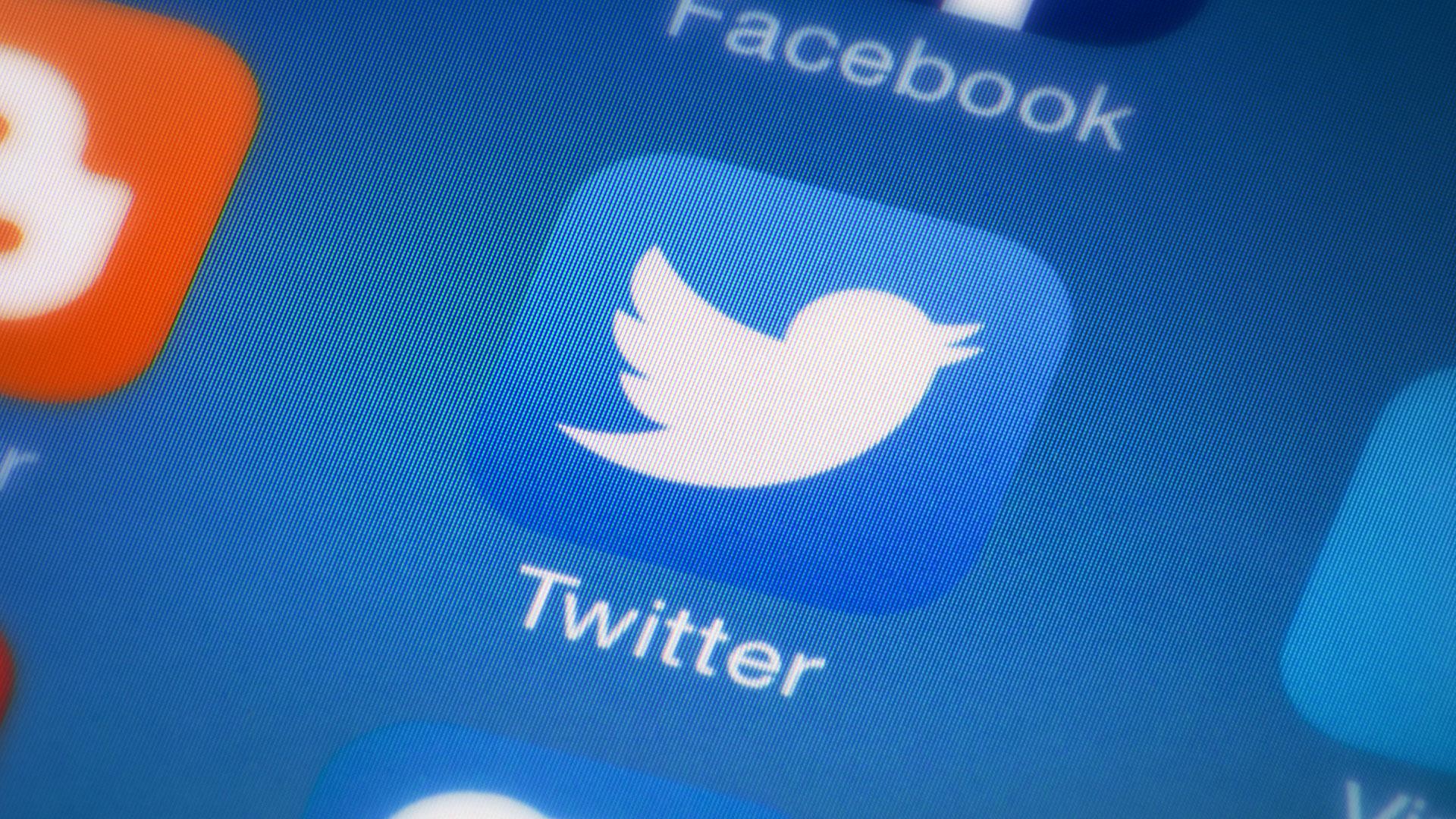 Agora o Twitter separa Mensagens Diretas de desconhecidos