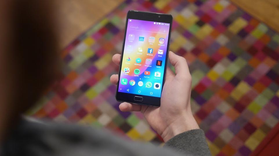 Confira os 7 smartphones de até R$1000 que valem a pena importar
